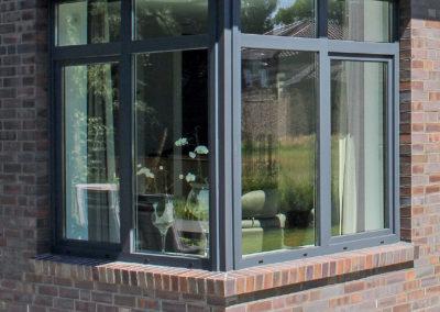 Fenster über Eck