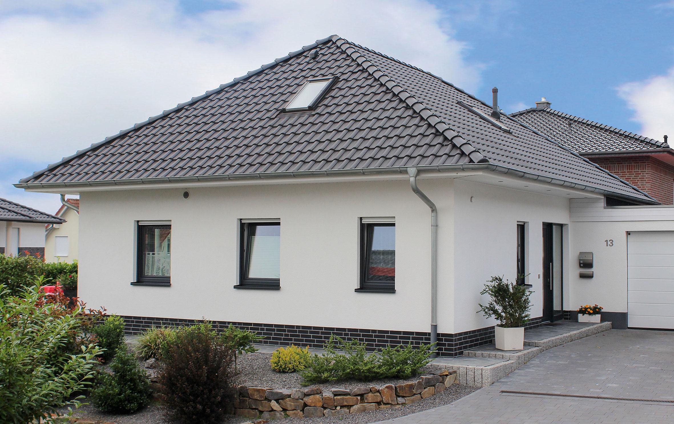 lebensk nstler bungalow 170 qm. Black Bedroom Furniture Sets. Home Design Ideas