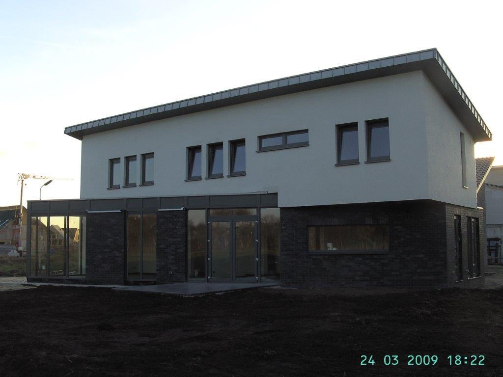 Architektenhaus modern mit pultdach kalobau for Architektenhaus modern