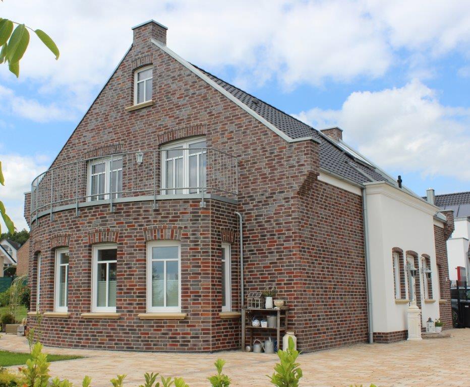 Architektenhaus bauen mit kalobau in osnabr ck oldenburg for Architektenhaus satteldach modern