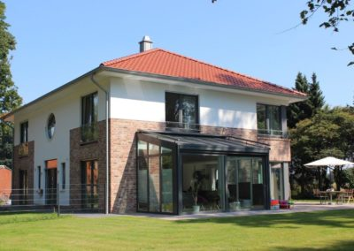 Architektenhaus mit Zeltdach im Landkreis Cloppenburg
