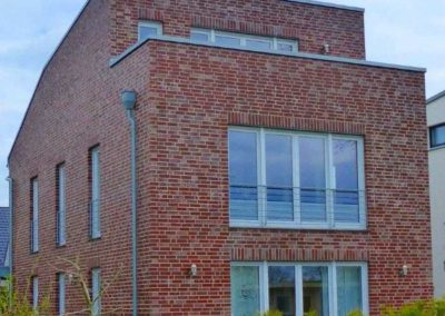 Moderner Baustil mit Klinkerfassade